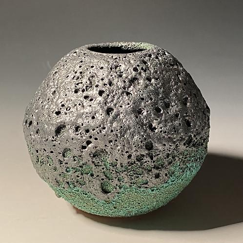 Sm Black Urchin Pot 1