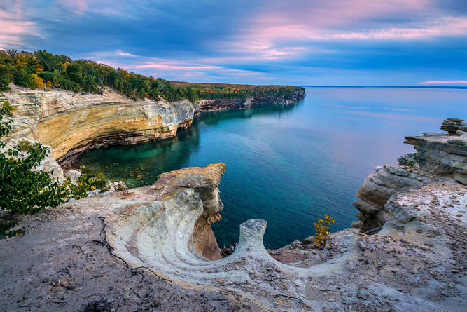 Twilight-view-of-cliffs,-Pictured-Rocks-