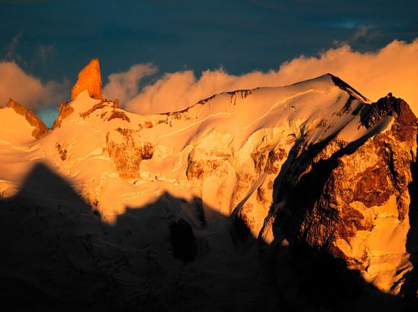 Cerro-Gran-Gendarme-at-sunrise.jpg