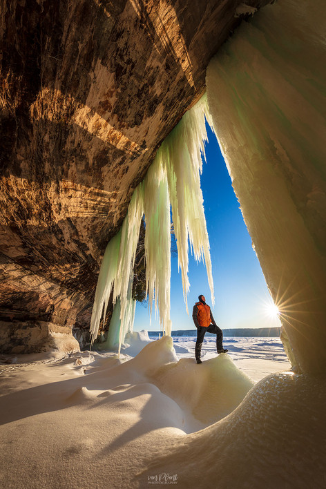 Grand-Island-ice-caves-6,-Lake-Superior,