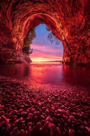 Sea-cave-sunrise-1,-Grand-Island,-Lake-S