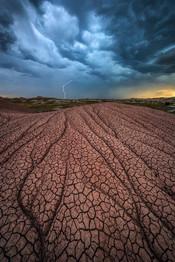 Storm-clouds-with-lightning,-Badlands-Na