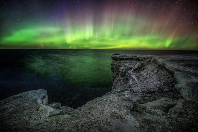 Northern-lights-(aurora-borealis)-over-L