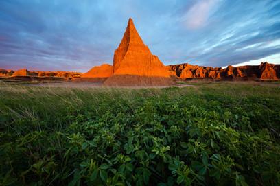 Sunrise-light-on-formations,-Badlands-Na