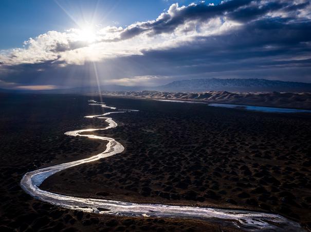 Sunrise-1,-Gobi-Sand-Dunes,-Mongolia.png