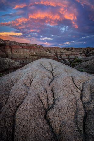 Sunset-7,-Badlands-National-Park,-South-