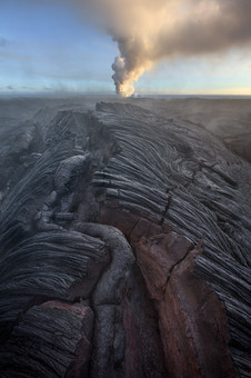 Lava-patterns-and-ocean-entry-2,-Hawai'i
