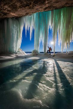 Grand-Island-ice-caves-8,-Lake-Superior,