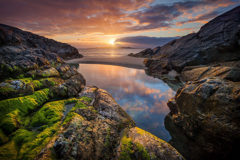 Tidal-pool-2,-Isle-of-Harris,-Scotland,-