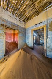 Blue-and-pink-rooms-2,-Kolmanskop-Ghost-