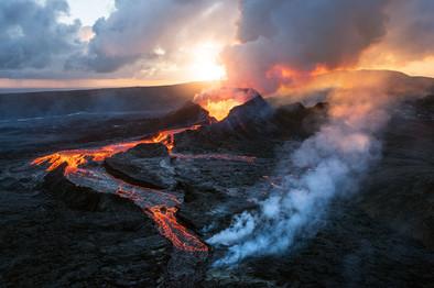 Volcano-51,-Geldingadalir,-Iceland.jpg