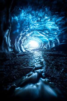 Black-Star-ice-cave-2,-Vatnajökull-Natio