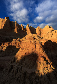 Sunrise-light-on-rock-formations-3,-Badl
