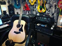 Studio Kim guitar 12