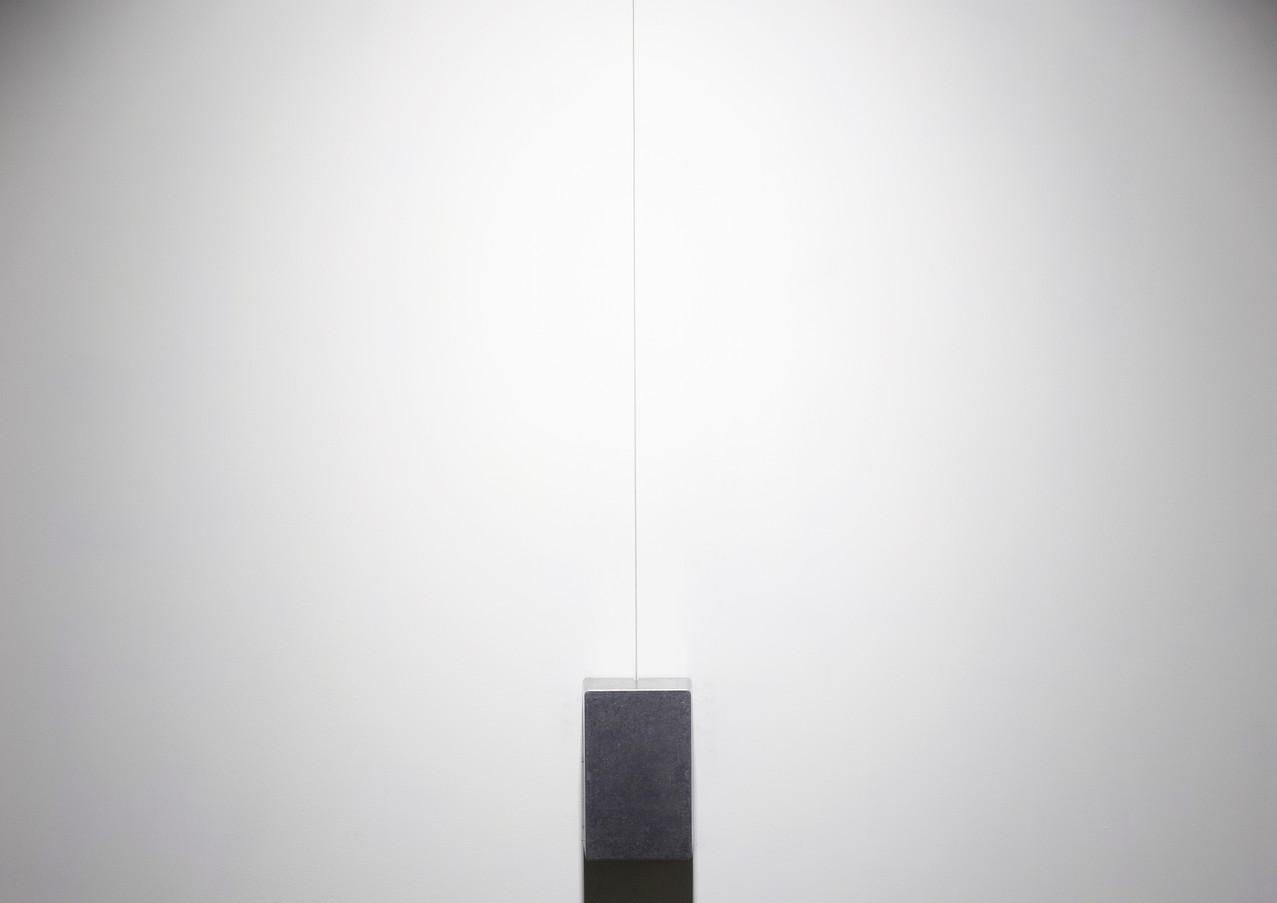 Untitled, 2018 Nickel plated steel string, cast alumnium case, electronics 98 x 12 cm Unique