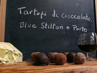 La cocina de Selvabella: trufas de chocolate con Blue Stilton y vino de Oporto