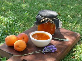 La cucina di Selvabella: marmellata di albicocche e lavanda