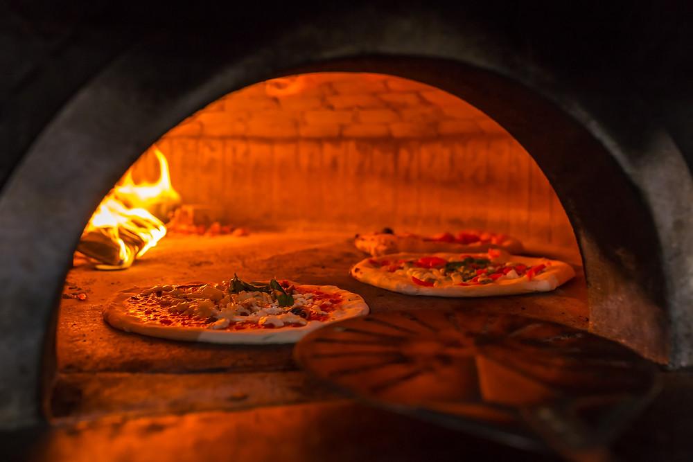 neapolitan pizza roberta's pizza bushwick