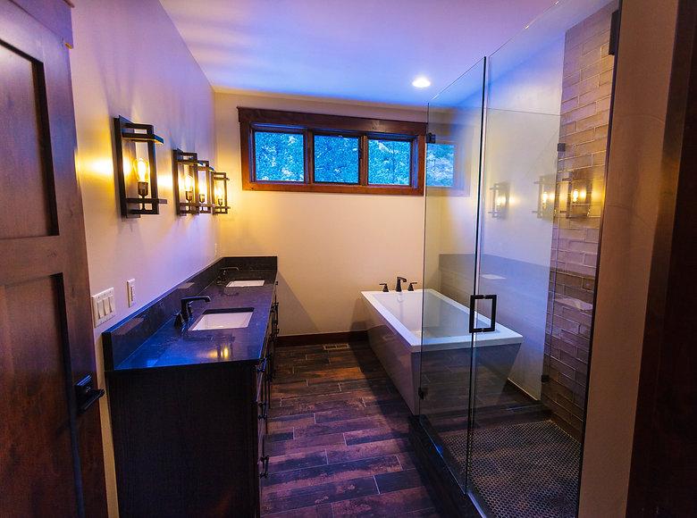 mtn meadow 7 master bath 1 (1 of 1).jpg