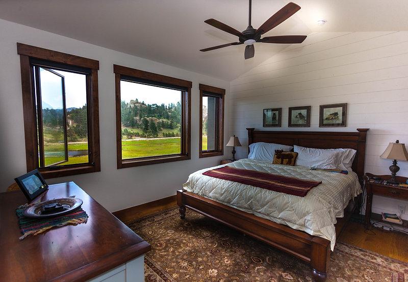 gordon bedroom master-1.jpg