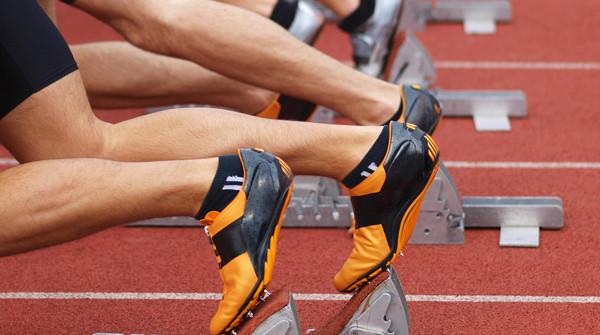 runners ready to start running
