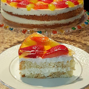 Cake 'Cheese and berry'.