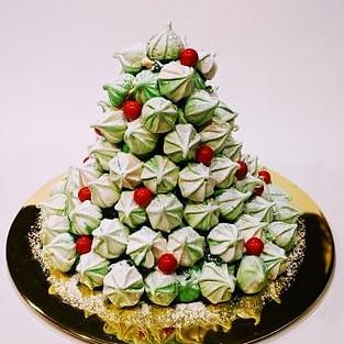Cake 'Christmas tree'.
