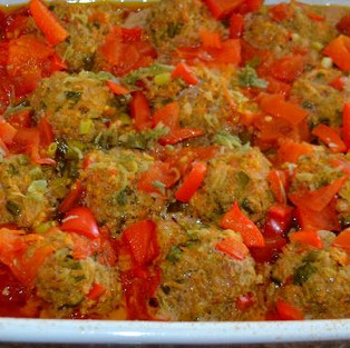 Meatballs with beets and carrots.