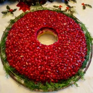Salad 'Pomegranate bracelet'.