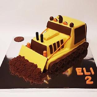 Cake 'Bulldozer'.