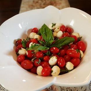 Salad 'Caprese'.