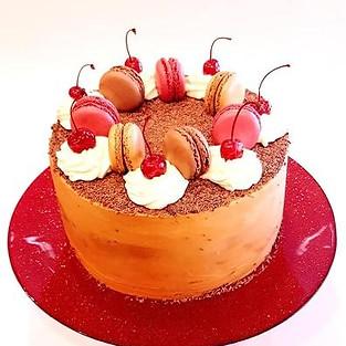 Cake 'Multi-layer chocolate'.