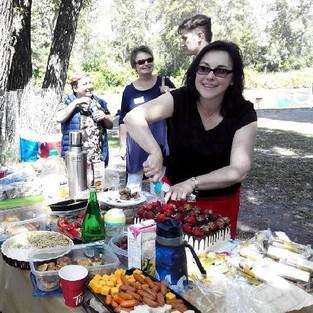 Встреча в парке за 'круглым' столом.