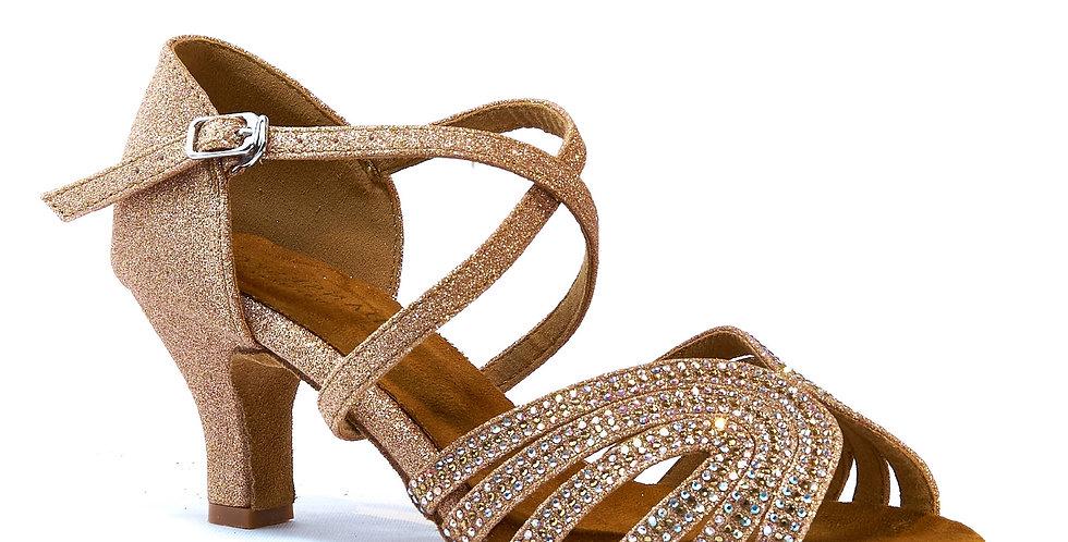Clara - Golden beauty