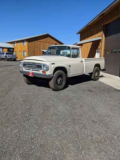 1968 International Harvester 1200 3/4 ton 4wd pickup truck