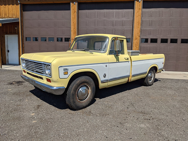 1974 International Harvester D200 3/4 ton 2wd camper special pickup