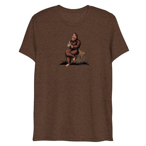 Sasquatch sipping a coffee in Redmond, Oregon - Short sleeve t-shirt Unisex