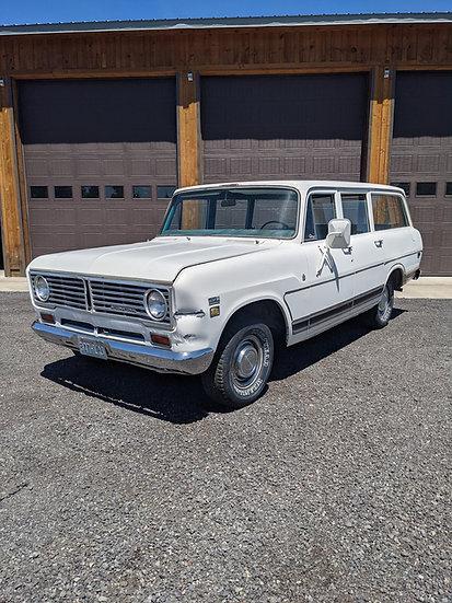 1973 International 1110 2wd travelall For Sale Bend, Oregon 406 Garage