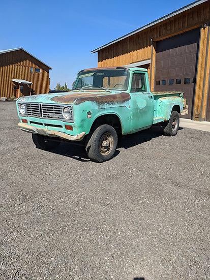 1972 InternationalHarvester 1210 3/4 ton 4wd pickup truck