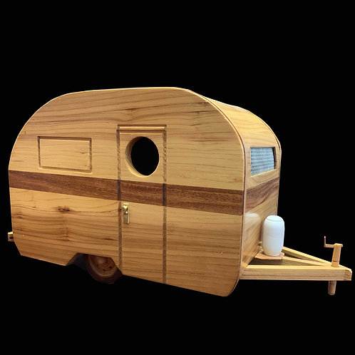 Travel Trailer Birdhouse / Hanging