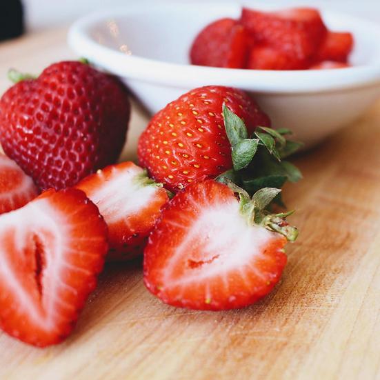 Fresh Strawberries 1 lb