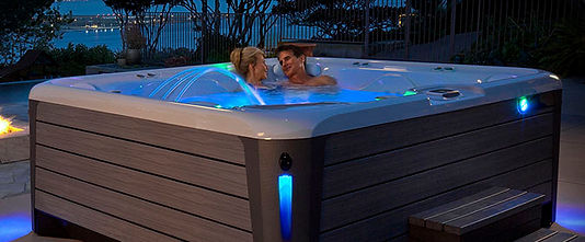 675x300-HS-NEW-Hot-Tubs-Main-2.jpg