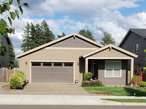 Stacy Sells your home in oregon suburbia Realtor Group Real Esate