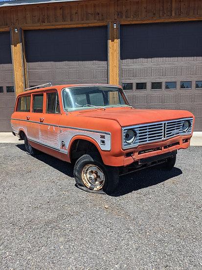 1973 International 1110 4wd travelall For Sale Redmond, Oregon