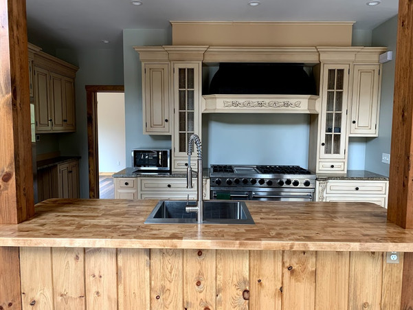 Kitchen- Island and oven.jpg