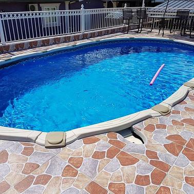 Liner pool