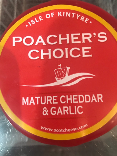 Poachers Choice Mature Cheddar Cheese with Garlic