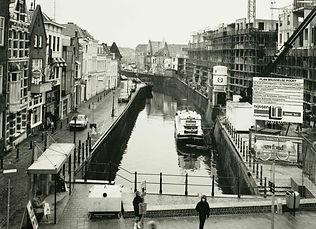 De Brusselse Poort in aanbouw, 1985.jpg