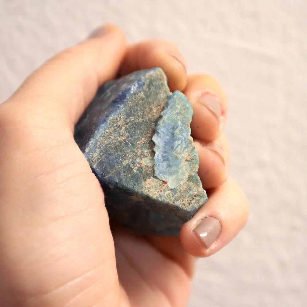 pedra, propriedade das pedras, signo, onde encontrar as pedras, significado das pedras, pedra, pedra bruta, apatita
