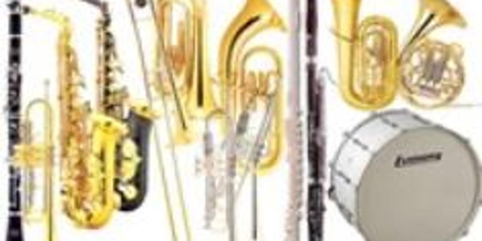 Utdeling av instrumenter til nye musikanter